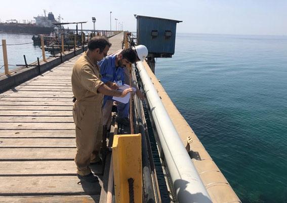 بازرسی اسکله در زیر آب توسط اکیپ¬های غواصی با امکان مانیتورینگ، هدایت و نظارت از روی شناور (سیستم تغذیه ازسطح)