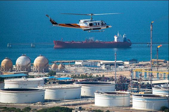 پهلوگیری شناورهای نفتی در اسکله لاوان