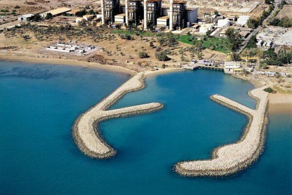 سیستم برداشت آب از دریا با استفاده از موج شکن و نیروگاه قدیمی نفت ستاره
